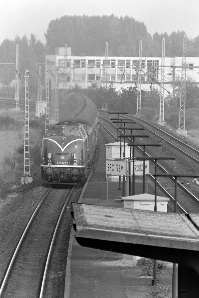 http://images.bahnstaben.de/HiFo/00071_Broitzem_1975/SW-1409.jpg