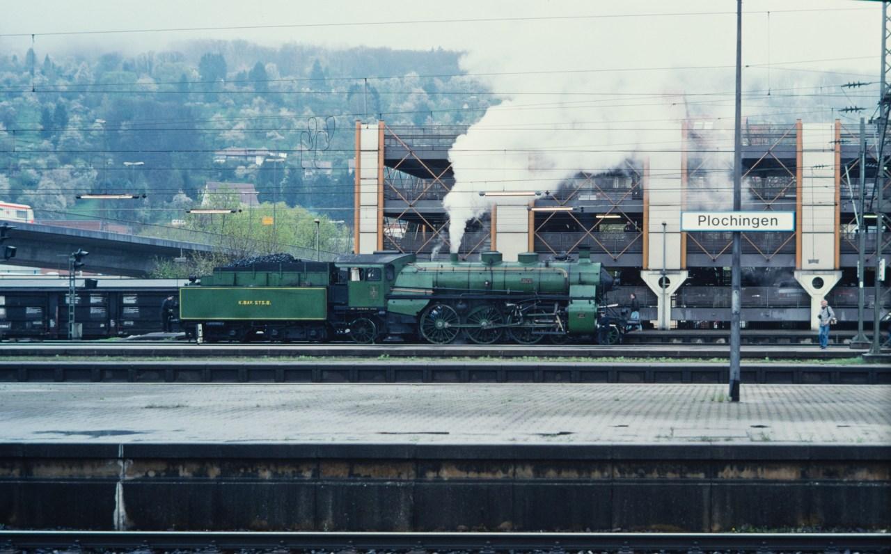 http://images.bahnstaben.de/HiFo/00085_EFZ_Tuebingen_1998/IMGP4460-LR.jpg