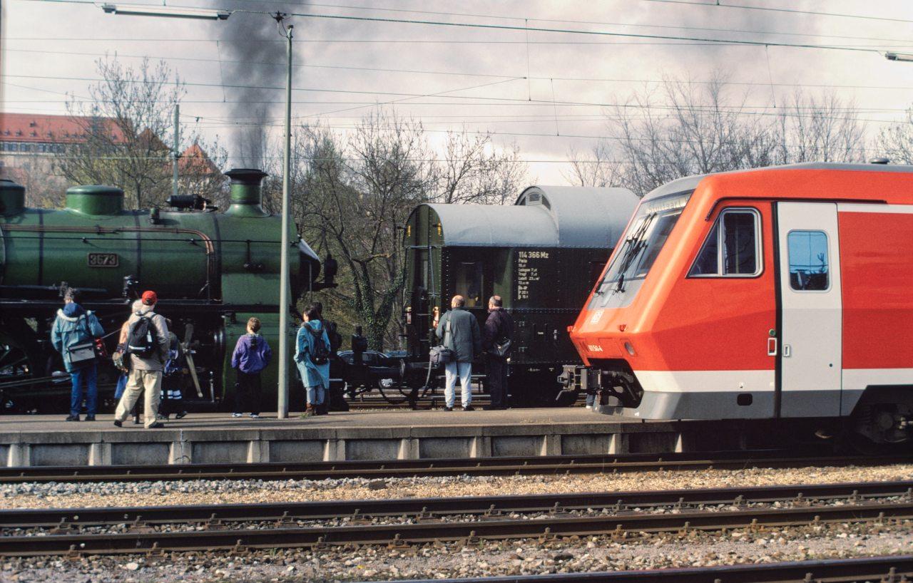 http://images.bahnstaben.de/HiFo/00085_EFZ_Tuebingen_1998/IMGP4513-LR.jpg
