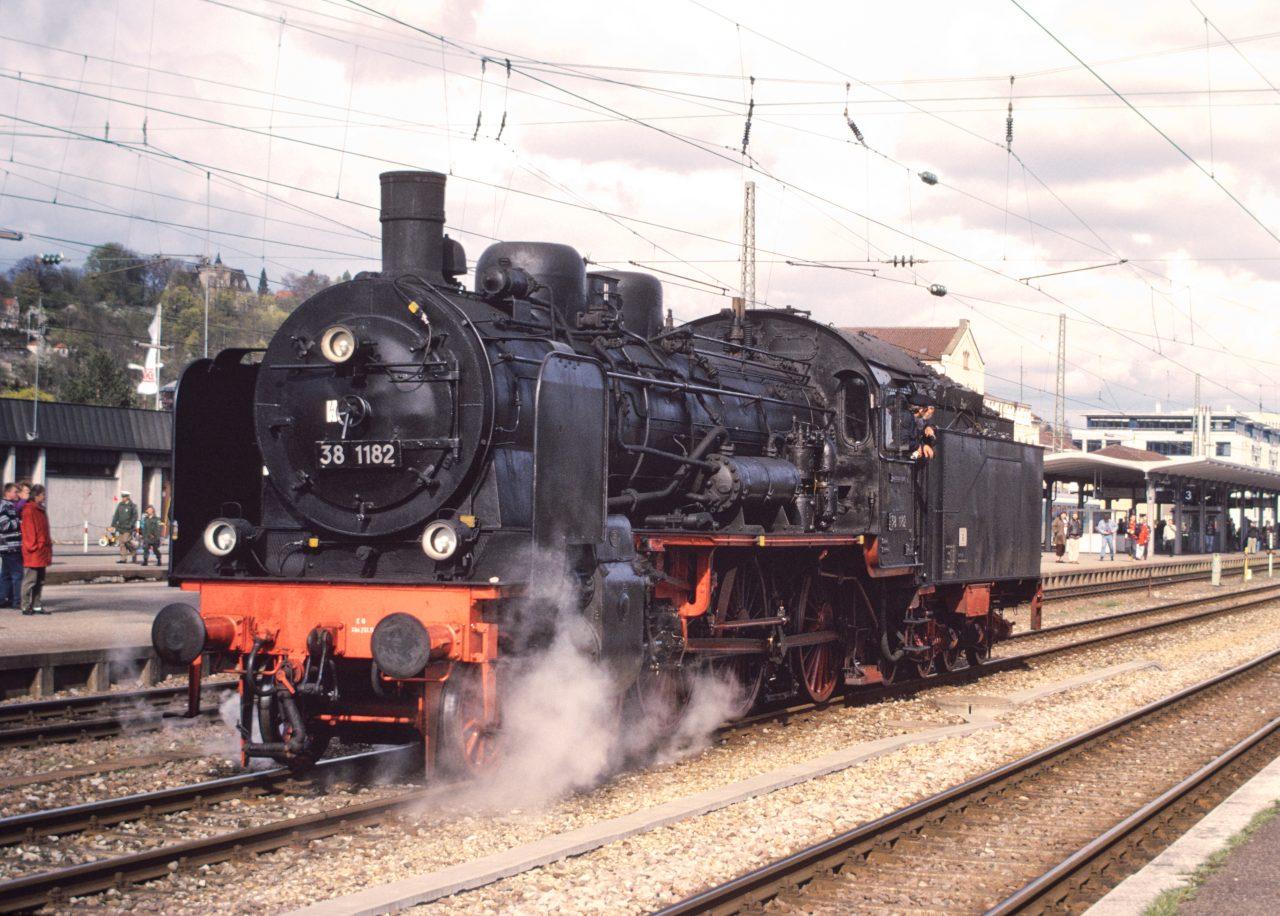 http://images.bahnstaben.de/HiFo/00085_EFZ_Tuebingen_1998/IMGP4521-LR.jpg